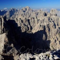 La cima più alta, al centro è il Monfalcon di Montanaia