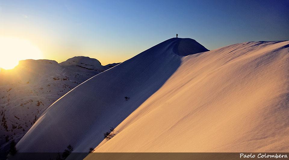 Alba in vetta al monte Mondo