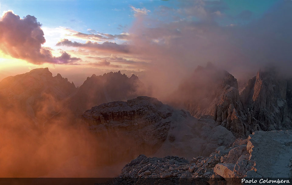 Tramonto tra le nuvole nel gruppo dei Tre Scarperi