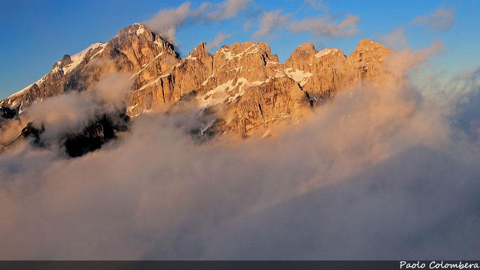 Tramonto sul gruppo della Schiara tra le nuvole