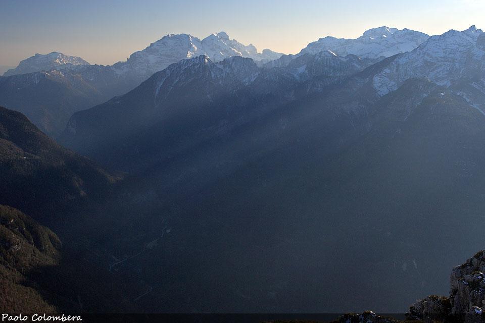 Val Zoldana, sullo sfondo il gruppo della Schiara