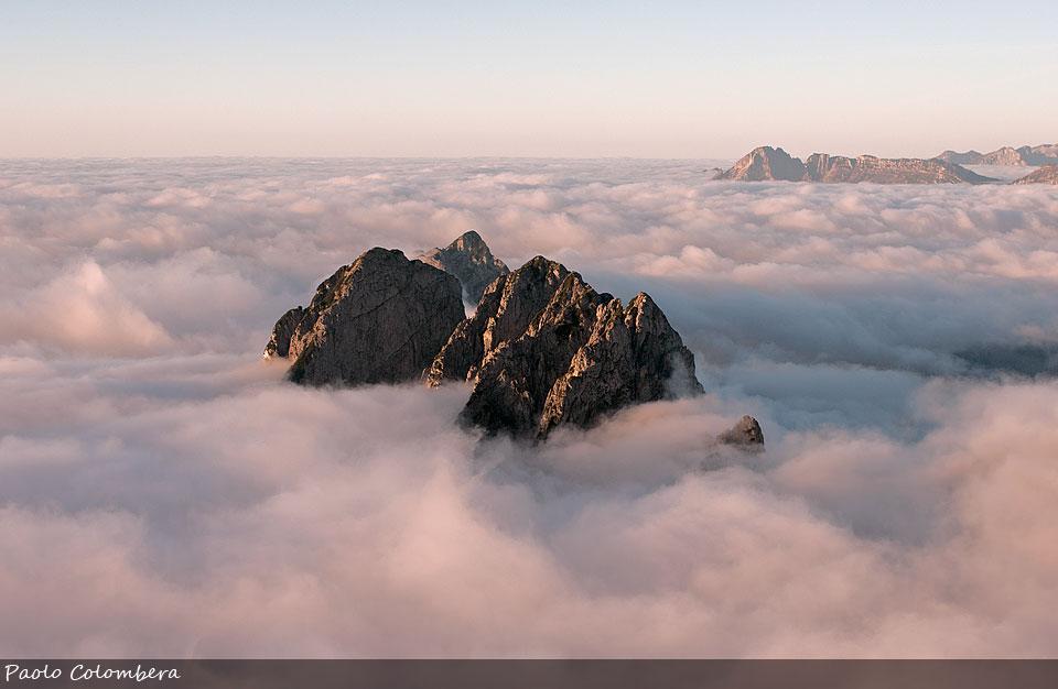 Sabioi e Pinei sopra il mare di nuvole